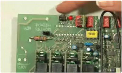 Bouton d'enregistrement dans le récepteur