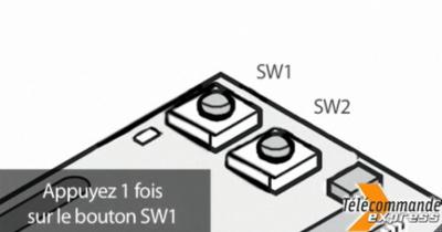 A l'intérieur du récepteur, appuyez sur le bouton comportant la mention SW1